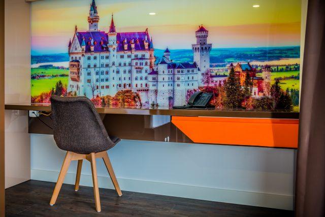 Hotel-Boardinghouse-Kreis-Residenz-Muenchen Suite Schreibtisch